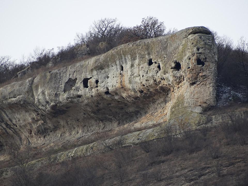 Скални манастири край Провадия