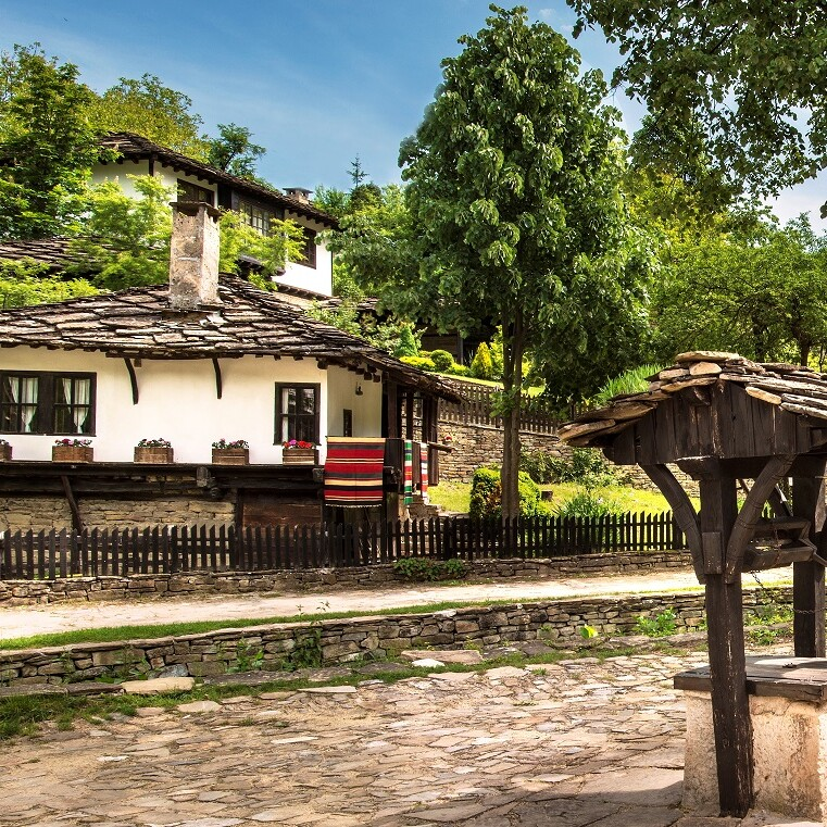 Архитектурно-исторически резерват Боженци