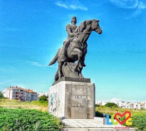 Паметник на Добротица в Добрич