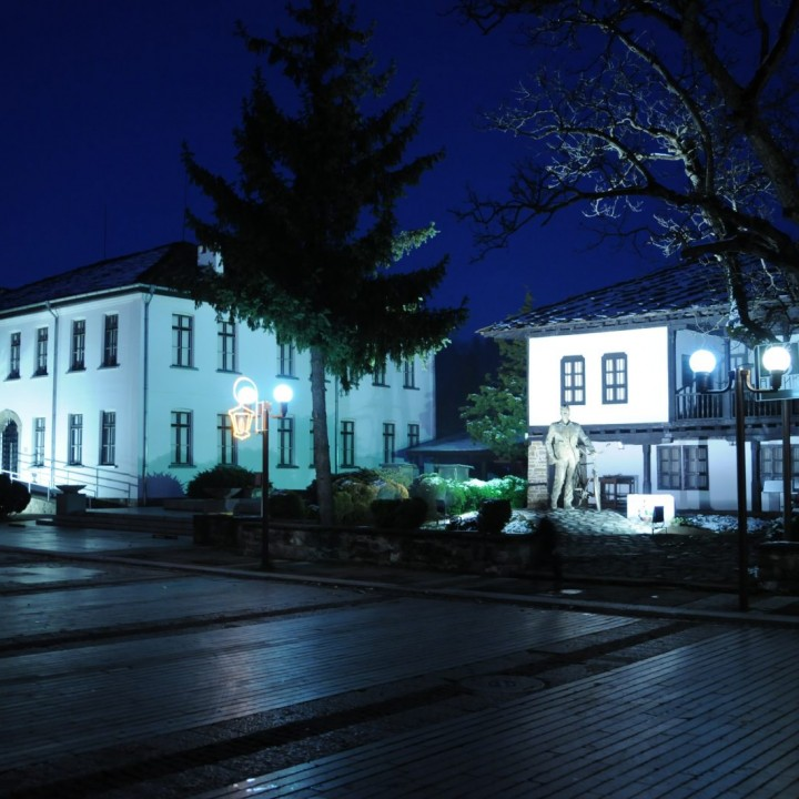 Музей на народните художествени занаяти и приложните изкуства - гр. Троян