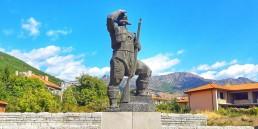 Паметник на Панайот Хитов в Сливен