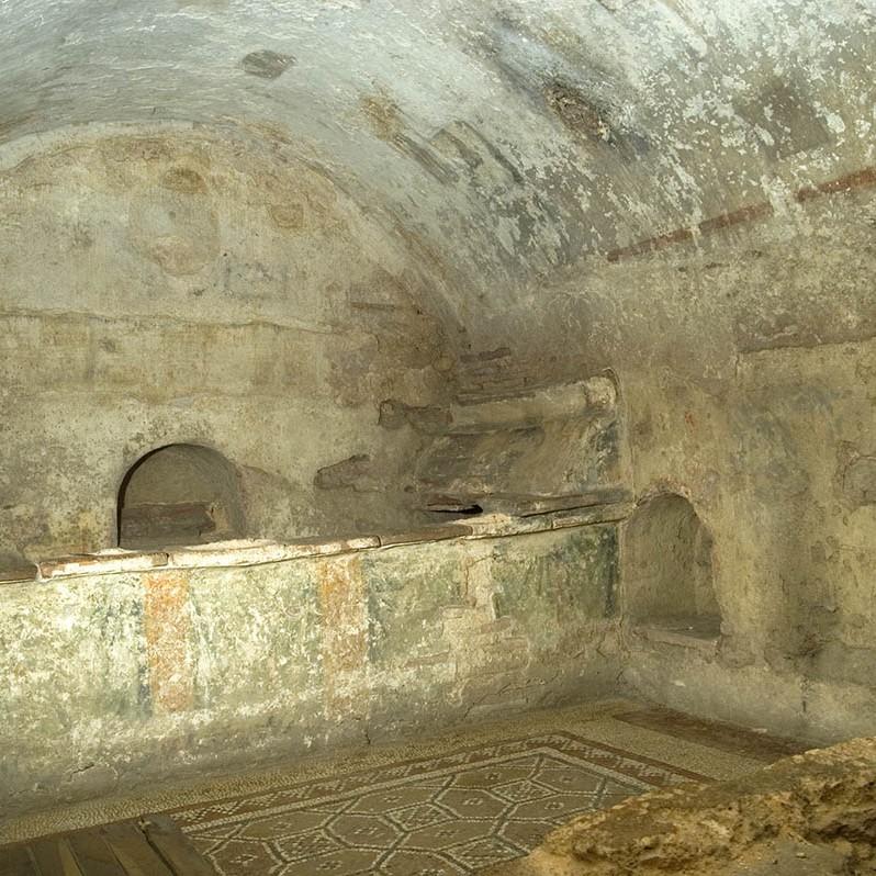 Римска гробница - гр. Хисаря