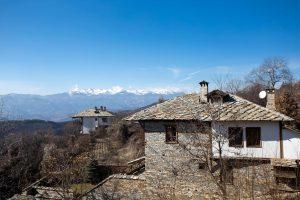 Къща в българско село