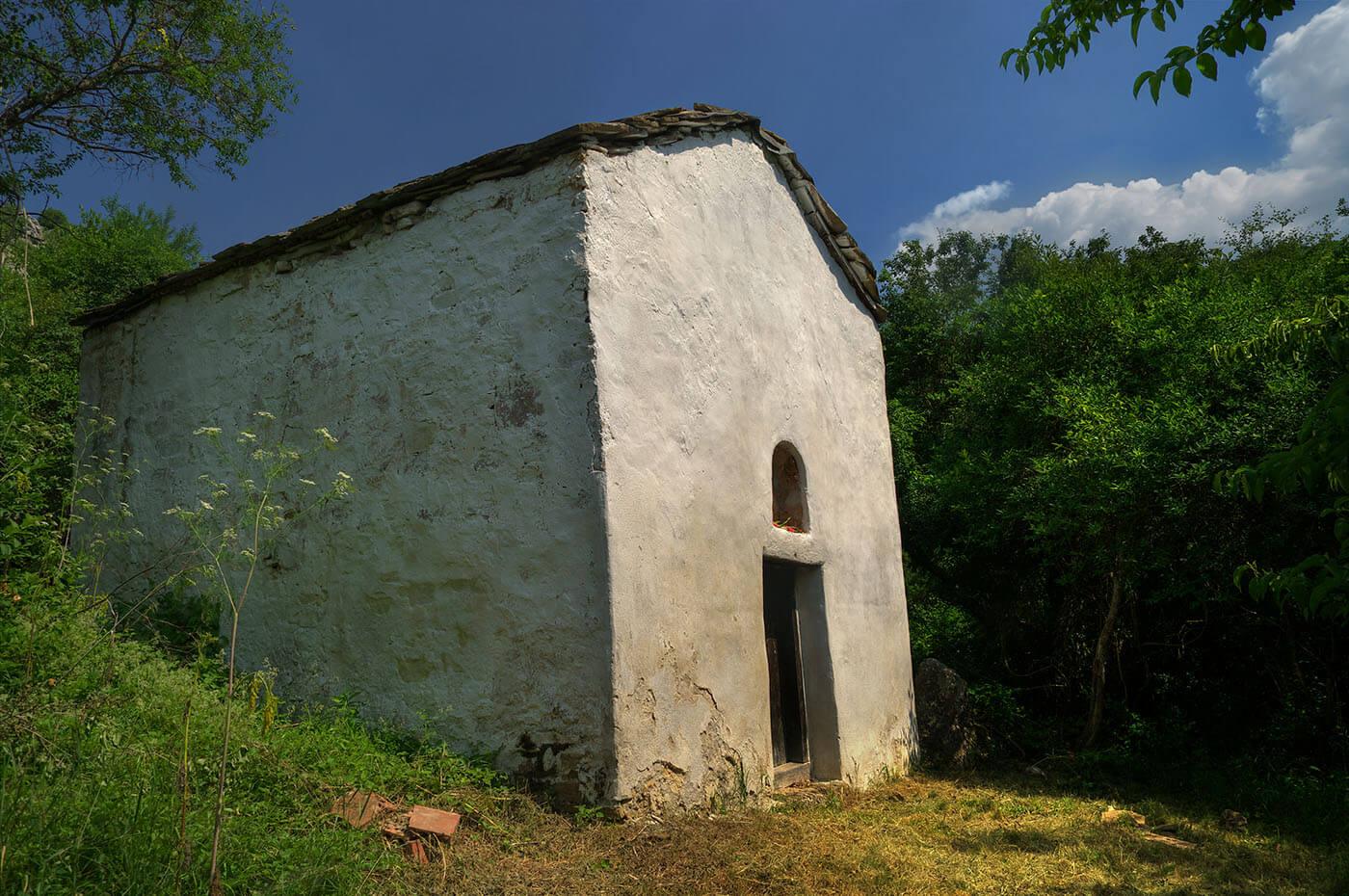 Църквата в село Беренде