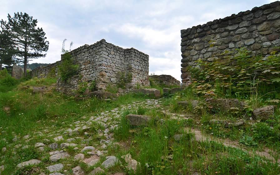 Крепост Кракра Перник